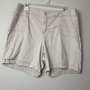 Lane Bryant Khaki Shorts 4Pockets Sz 22